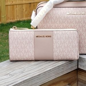 Michael Kors Center Stripe 3/4 Zip Wallet Pink